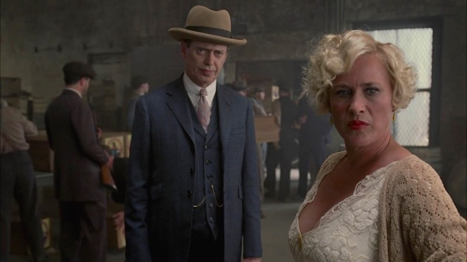 """Steve Buscemi and Patricia Arquette in """"The Old Ship of Zion"""" (Episode 4.08)."""