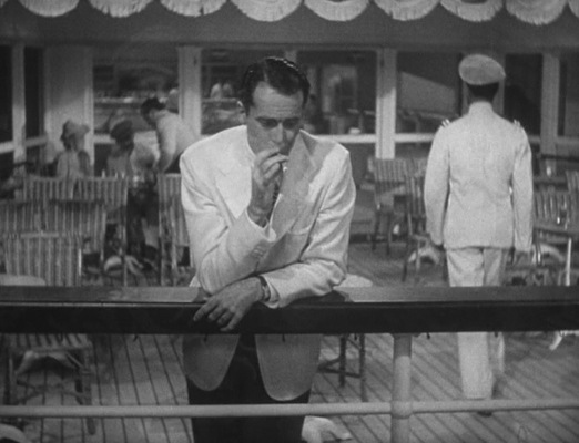 As Hopsie enjoys a smoke at sea, we get a glimpse of the watch strapped to his left wrist.