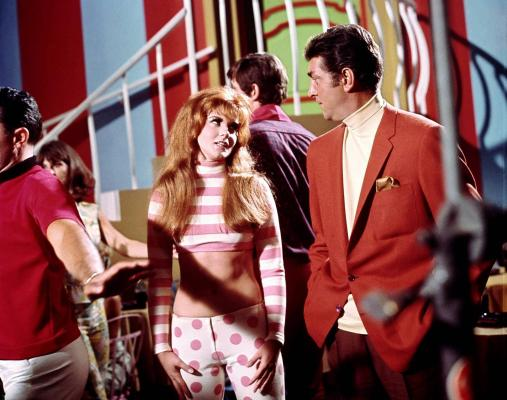 Production photo of Ann-Margret and Dean Martin in Murderers' Row.