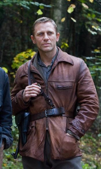 Daniel Craig as Tuvia Bielski in Defiance (2008). From a photo by Karen Ballard.