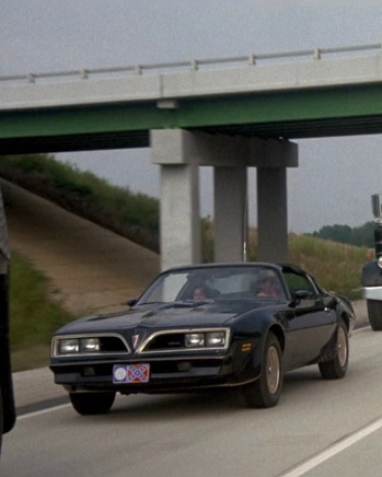 The Bandit's front license plate was the Georgia state flag from 1956 to 2001.